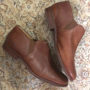 """LL BEAN size 8.5 B Caramel Brown Leather 1"""" Bootie"""